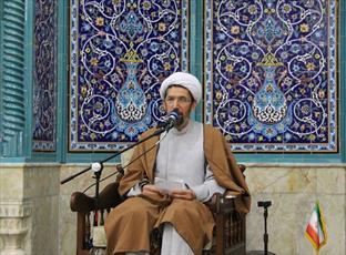 عنصر دین و اعتقاد درونی ملت ایران بزرگترین مانع نفوذ دشمن
