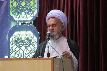 فشارهای اقتصادی هرگز ملت ایران را از انقلاب زده نخواهد کرد