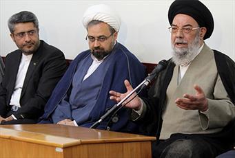 مساجد  باید در مقابل هجمه های دشمن سنگر باشند