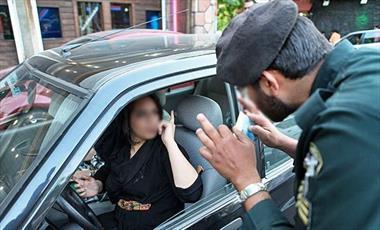 ترویج بی حجابی در سطح خیابان ها به بهانه حریم خصوصی بودن داخل اتومبیل