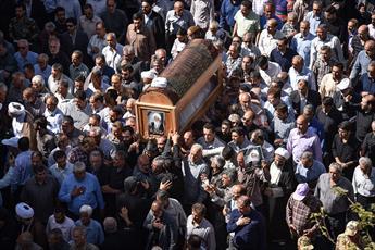 پیکر آیت الله حدائق در شیراز تشییع شد/ شنبه عزای عمومی در استان فارس