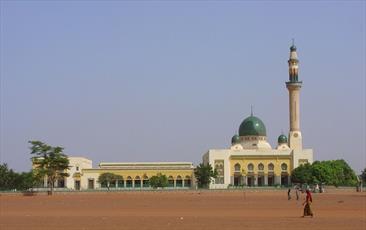 بازسازی مسجد بزرگ شهر نیامی پایتخت کشور نیجر