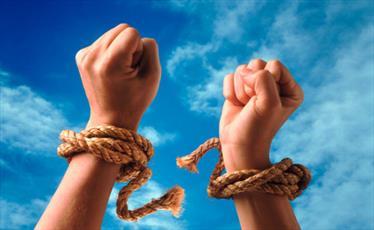 آیا دین داری انسان با آزادی منافات دارد؟/ آزادی فردی به چه معناست؟