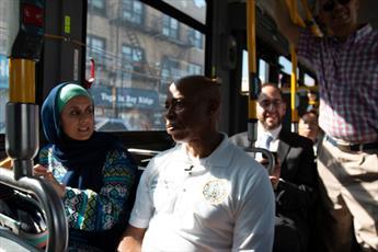 اقدام نمادین سواری با اتوبوس میان ادیانی در بروکلین + تصاویر