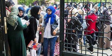 اعلام آمادگی دانشجویان دختر مراکشی برای شرکت در آزمون وکالت رشته حقوق اسلامی