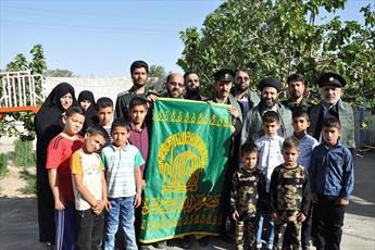 کودکان بی سرپرست  به وصال امام رئوف رسیدند