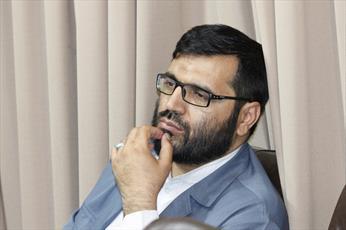 مسئولان حوزه نگاه ویژه ای به طلاب کردستان داشته باشند