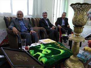دیدار  سفیران کریمه با خانواده شهید مدافع حرم در سمنان + تصاویر