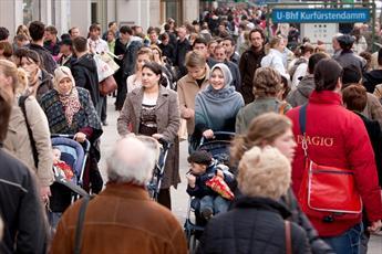 آشنایی با مسلمانان در اروپای غربی موجب نظر مثبت نسبت به اسلام میشود