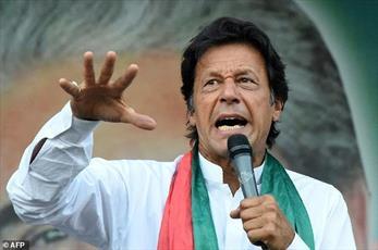 همپیمان شیعیان پاکستان نخست وزیر این کشور شد