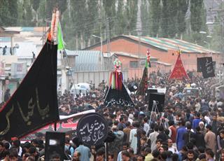 مراسم عاشورای تابستانی در بلتسان پاکستان برگزار شد/ از ما سلام بر تن صد پاره حسين(ع)