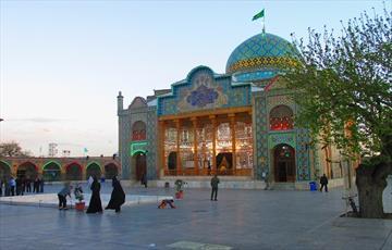 اجرای برنامه  های بصیرتی و قرآنی در   امامزاده حسین(ع) قزوین
