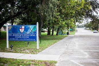 دانشجویان انجمن اسلامی دانشگاه فلوریدا، مرکز اسلامی راه اندازی می کنند