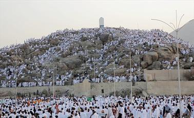 عرفه، روز غلبه انسان بر شیطان/ جاماندگان رمضان استفاده کنند