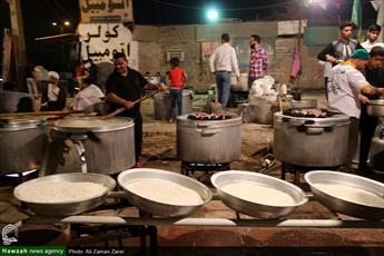 تصاویر/ طبخ ۱۰ هزار پرس غذای متبرک در مناطق محروم اهواز