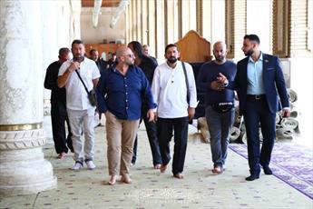 حضور مستبصرین آلمانی  در  مسجد کوفه و زیارتگاه های آن+ تصاویر