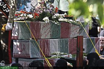 تصاویر/ تشییع پیکر مطهر ۱۳۵ شهید دوران دفاع مقدس در تهران