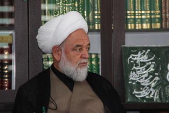 زیارت عاشورا اعلام موضع سیاسی مسلمانان است