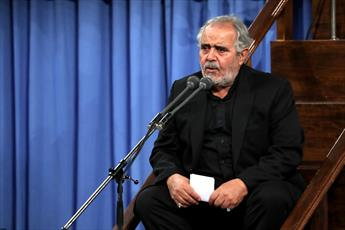 فیلم/ مداحی حاج علی انسانی در حسینیه امام خمینی(ره)