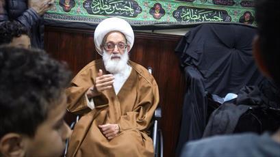حضور آیت الله عیسی قاسم در مراسم عزاداری امام حسین(ع) در لندن+ تصاویر