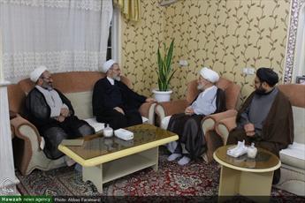 تصاویر/ دیدار آیت الله اعرافی با  خانواده شهدا و جانبازان دفاع مقدس