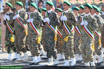 رژه نیروهای مسلح قم با سخنرانی آیت الله اعرافی برگزار می شود