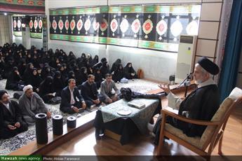 علم آموزی طلاب ادامه دهنده راه شهدا و راه ۴۰ ساله انقلاب اسلامی است