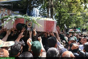 تصاویر/ تشییع پیکر شهید محمد طاها اقدامی در اصفهان
