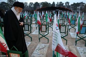 میدان مجاهدت در عرصههای گوناگون همچنان گشوده است