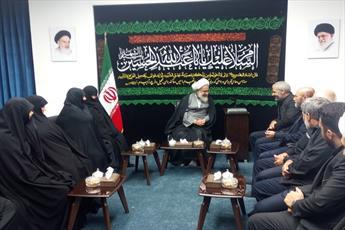 تقدیر امام جمعه قزوین از خانواده  شهید حججی+ عکس