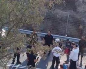 شهرک نشین صهیونیستی با اتومبیل، مرد فلسطینی را در پیاده رو زیر گرفت
