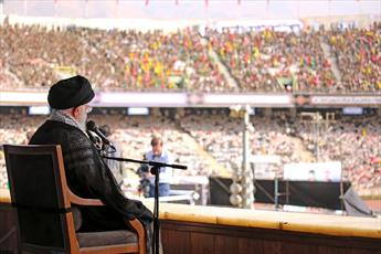رئیسجمهور آمریکا گفته کار جمهوری اسلامی تمام است؛ شتر در خواب بیند پنبه دانه!/ تحریم را شکست می دهیم