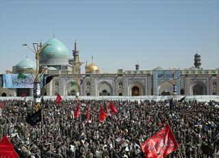 اجتماع ۳۶ هزار نفری بسیجیان مشهد مقدس در حرم رضوی برگزار شد