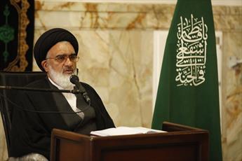 امام جمعه قم: طلاب غیر ایرانی برای ترویج درس آزادگی میان ملل مختلف تلاش کنند