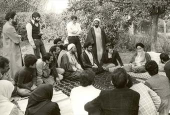 انقلابی که از نوفل لو شاتو جهانی شد/ خلف صالح راه پیر جماران را می پیماید