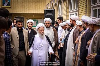 تصاویر/ حضور آیت الله العظمی مکارم شیرازی در مدرسه امام حسن مجتبی(ع)