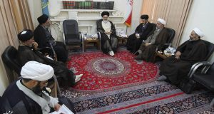 دیدار اعضای هیئت رئیسه مجمع نمایندگان طلاب   با  آیت الله حسینی بوشهری