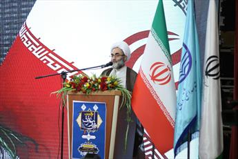 امام (ره) با قرآن،  روابط سیاسی و اقتصادی در معادلات جهانی را تغییر داد