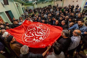 استقبال اقلیت های مسلمان آمریکا از پرچم حرم امام حسین(ع) و حضرت عباس(ع)+ تصاویر