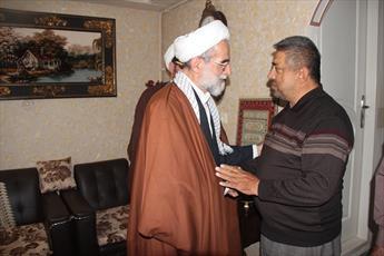 حضور مدیر حوزه علمیه قزوین در منزل یک جانباز+ عکس