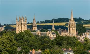مخالفت مسیحیان تندرو با دعوت از  روحانی مسلمان  برای سخنرانی در  مراسم عشای ربانی آکسفورد