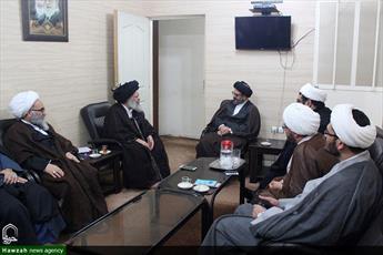 دیدار مسئول مرکز ارتباطات و بینالملل حوزه با آیت الله موسوی جزایری