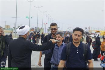 تصاویر/ زائران پیاده اربعین در مرز مهران