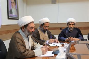 کمک ۲ میلیاردی حوزویان به زلزلهزدگان کرمانشاه/ فعالیت یک هزار روحانی در مناطق زلزلهزده