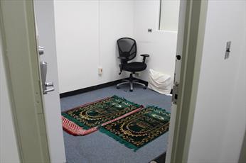 دانشجویان مسلمان دانشگاه های  نیویورک کمپین نماز تشکیل دادند