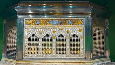 نصب ضریح در نزدیکترین نقطه به قبر مطهر امام حسین(ع)+ عکس