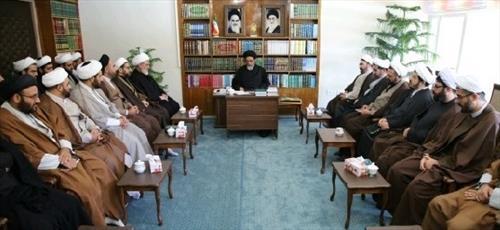 امام جمعه تبریز: روحانیون در نیروهای مسلح رسالت سنگینی دارند