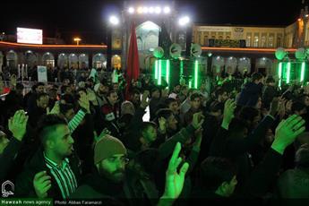 تصاویر/ حال و هوای حرم کریمه اهل بیت(ع) در شب اربعین حسینی