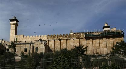 شهرک نشینان صهیونیستی به فلسطینیان در نزدیکی مسجد ابراهیمی حمله کردند