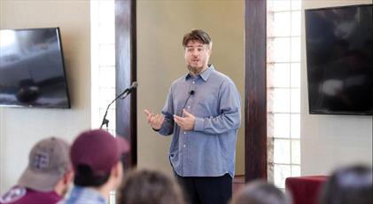 مرکز اسلامی در شهر تگزاسی، میزبان روز درهای باز برای غیرمسلمانان بود